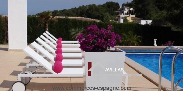 maison-hotes-avillas-commmerces-espagne-jaeva-1