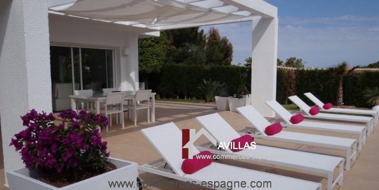 maison-hotes-avillas-commmerces-espagne-jaeva-2