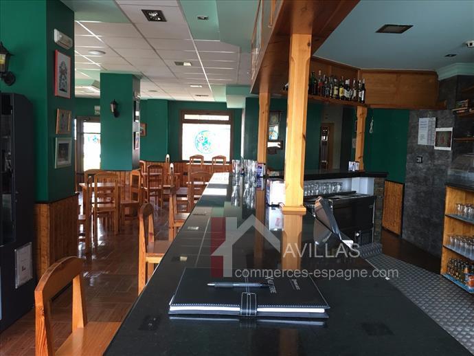 Cantabrie, Los Corrales de Buelna, local commercial restaurant