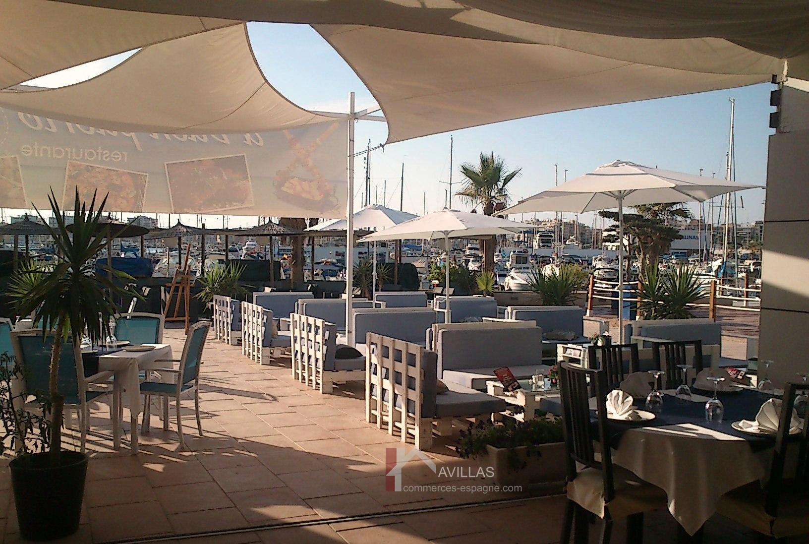 Torrevieja, Restaurant dans la marina