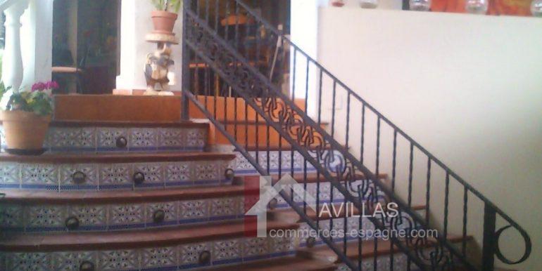 fonds de commerce-com03214 escalier 2