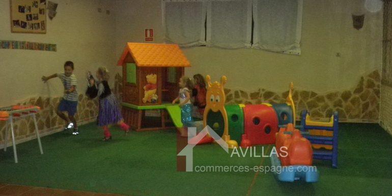 commerces-espagne.com COM03221 SALLE JEUX ENFANTS