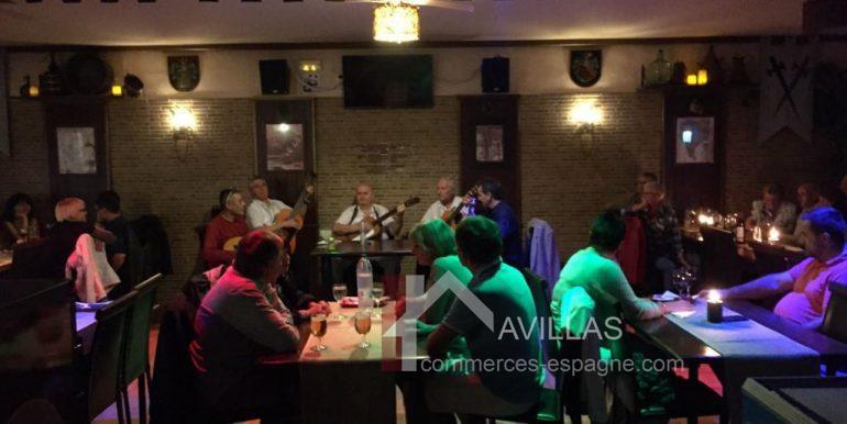 denia-bar-restaurant-com12002-repas spectacle