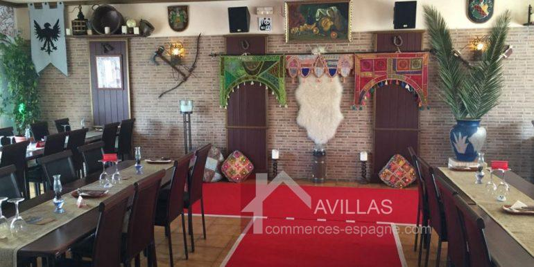 denia-bar-restaurant-com12002-scène spectacle salle