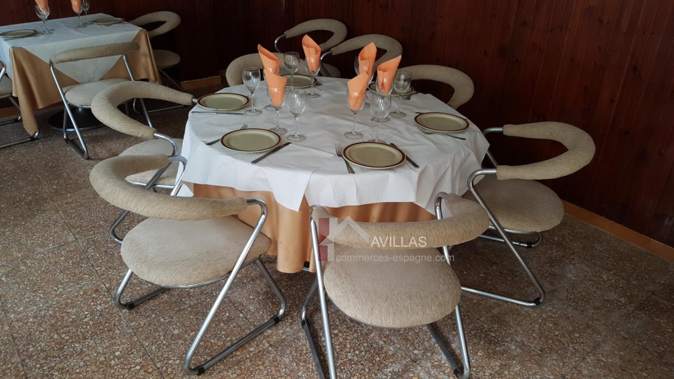Table et chaise de restaurant a vendre fabulous et table - Chaise de restaurant a vendre occasion ...