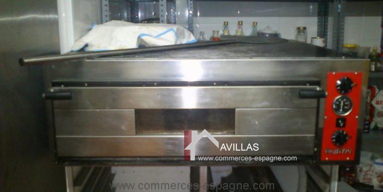 commerces-espagne.com COM 03238 FOUR A PAIN