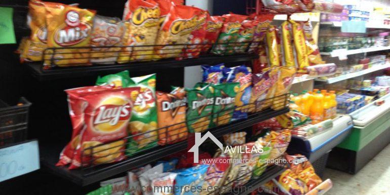 malaga-commerces-espagne-COM42011-rayon gâteaux apéritifs