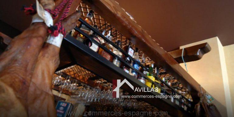 malaga-commerces-espagne-COM42016-jambon suspendu