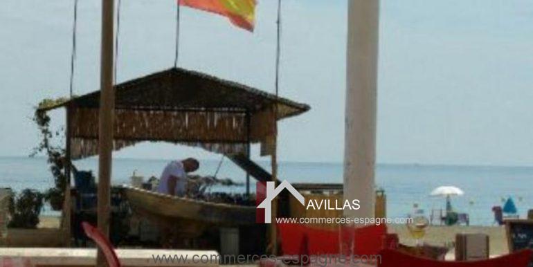 malaga-commerces-espagne-COM42027-bâteau pour grillades1