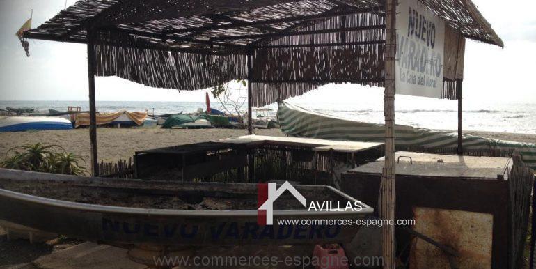 malaga-commerces-espagne-COM42027-bâteau pour grillades2
