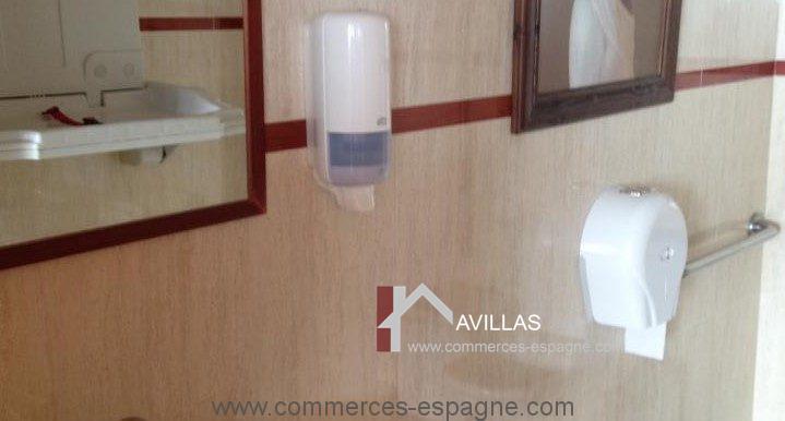 malaga-commerces-espagne-COM42027-toilettes