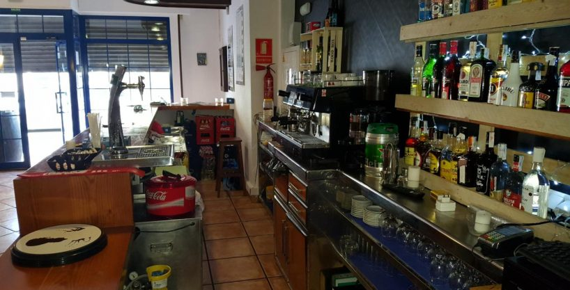Dénia, Bar restaurant