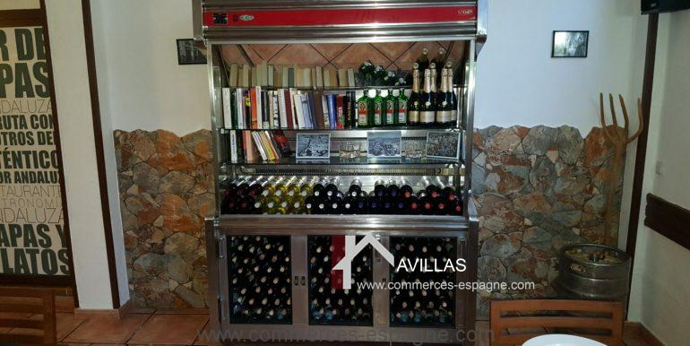 denia-bar-restaurant-COM120015-cave réfrigérée