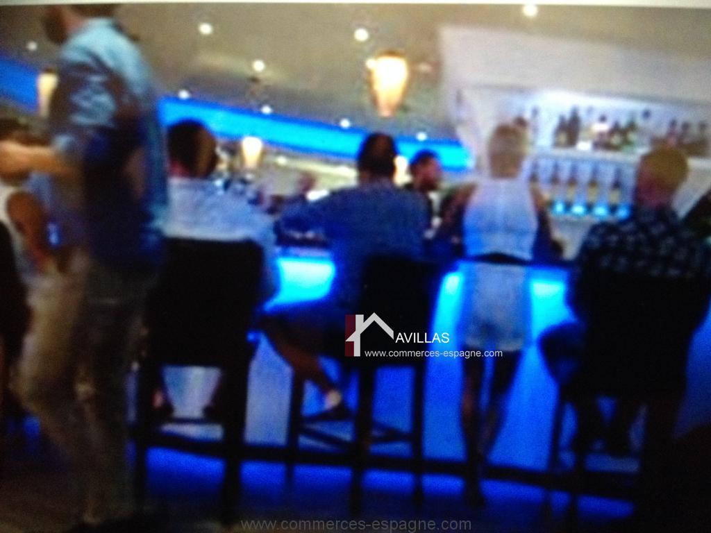 Malaga, Bar avec musique