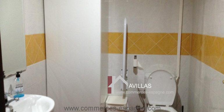 malaga-commerces-espagne-COM42039-toilettes