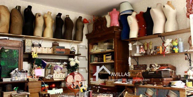 commerces-espagne.com COM 03260 SALLE LIVRES