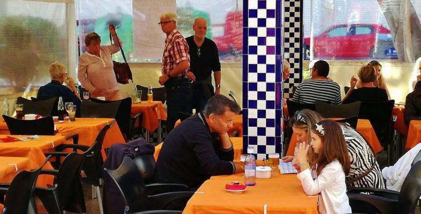 Torrevieja, bar restaurant avec Terrasse 60 personnes