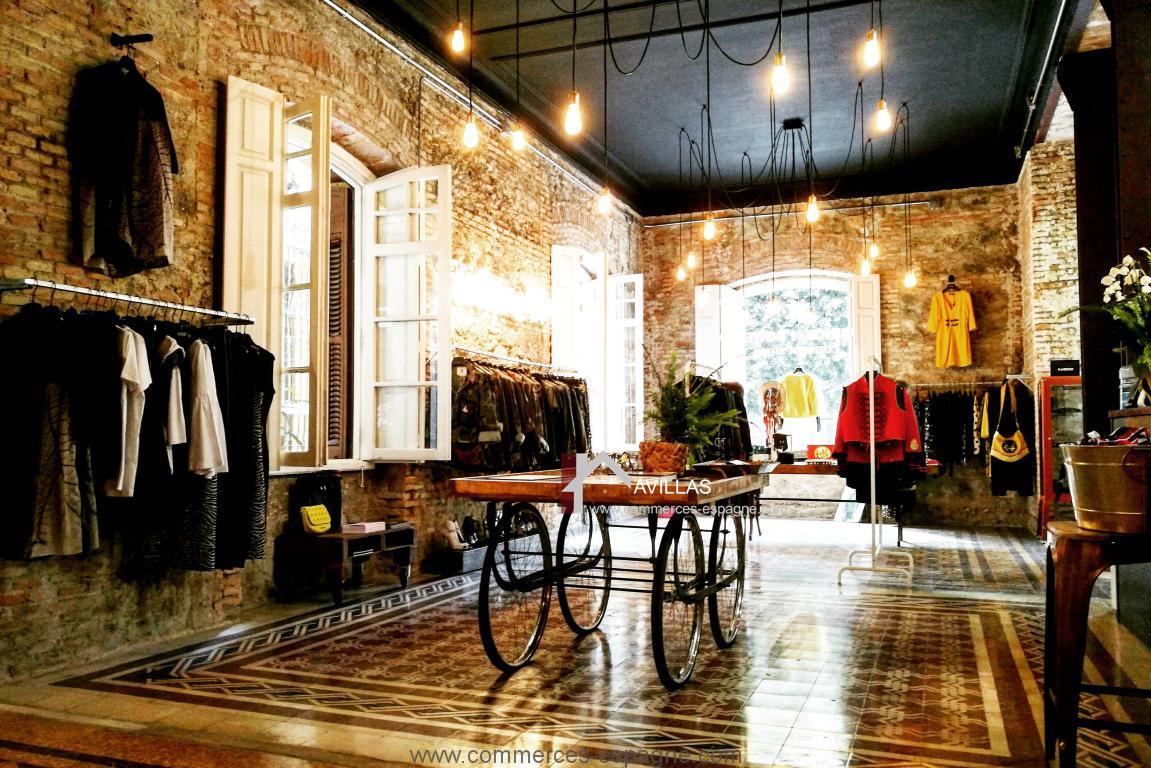 Malaga, local avec appartement, Boutique de vêtements