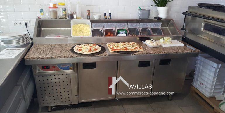 denia-glacier-pizzeria-com12011-plan de travail et réfrigérateurs