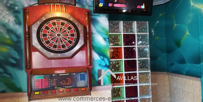 COM30005 jeu flechette-restaurant-glacier-avillas commerces espagne