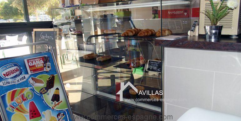 COM30004 vitrine exposition - -avillas commerces espagne alicante