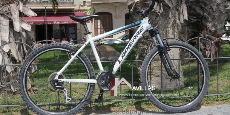 location de vélo-sitges-avillas-commerces-espagne