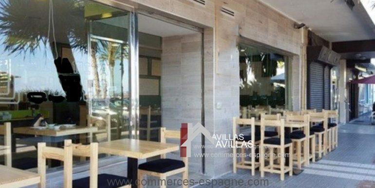 malaga-commerces-espagne-com42061-terrasse1-900x602