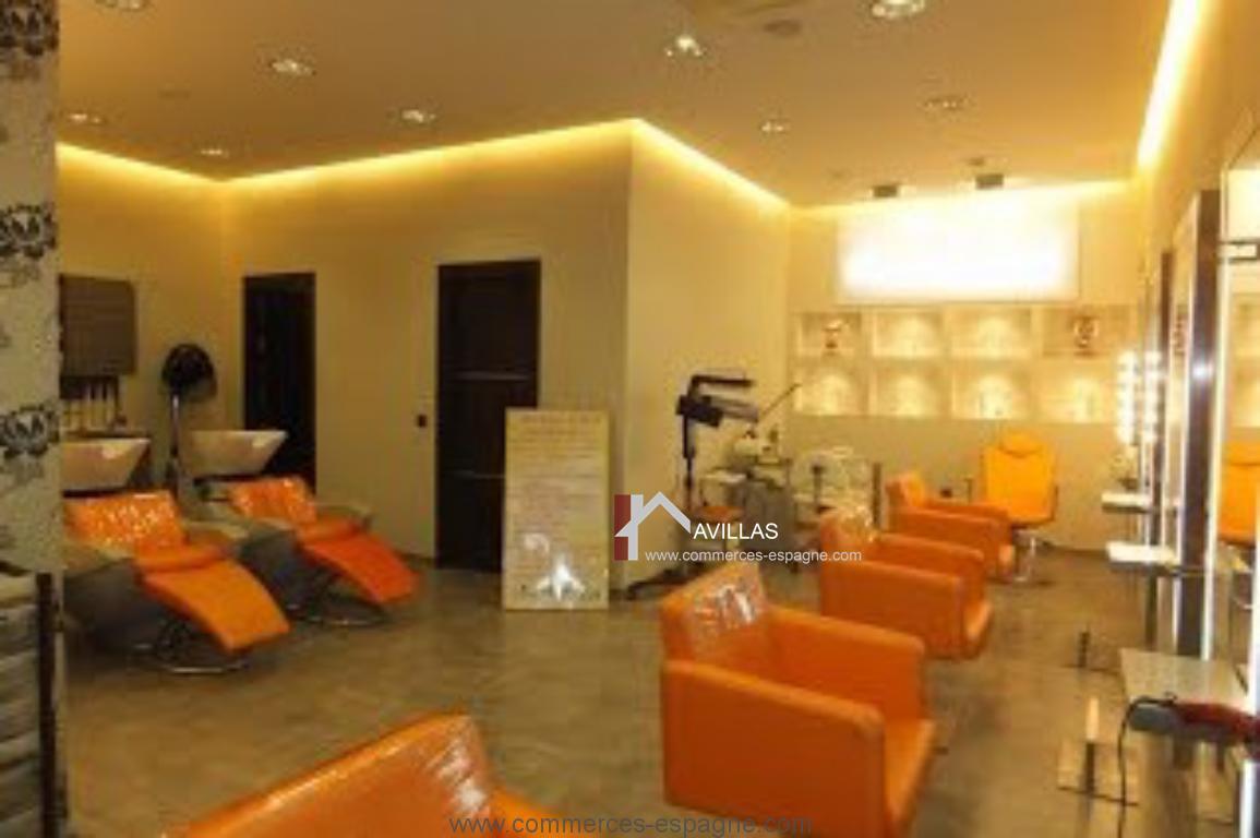 Fuengirola salon de coiffure et esth tique fonds de for Acheter un salon de coiffure