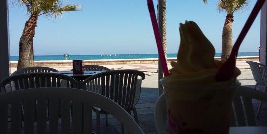 Altéa Bar Tapas restauration sur la promenade face mer