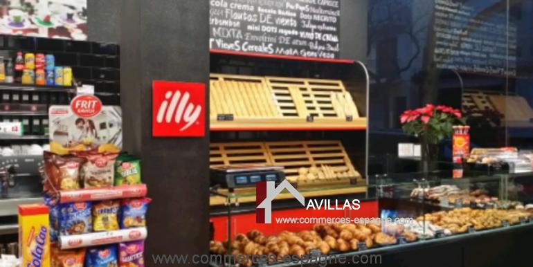 Sant-feliu-boulangerie-cafeteria-interieur-clients-COM17008
