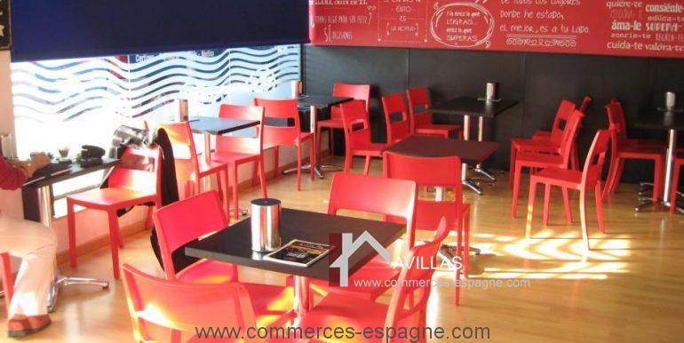 Sant-feliu-boulangerie-cafeteria-salle-COM17008