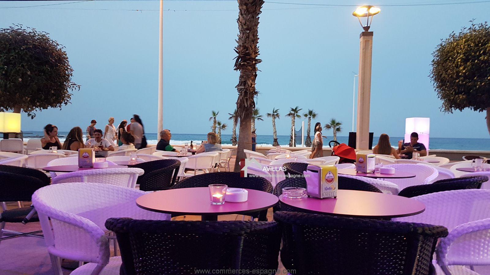 Alicante, bar, cocktails, lounge face à la plage