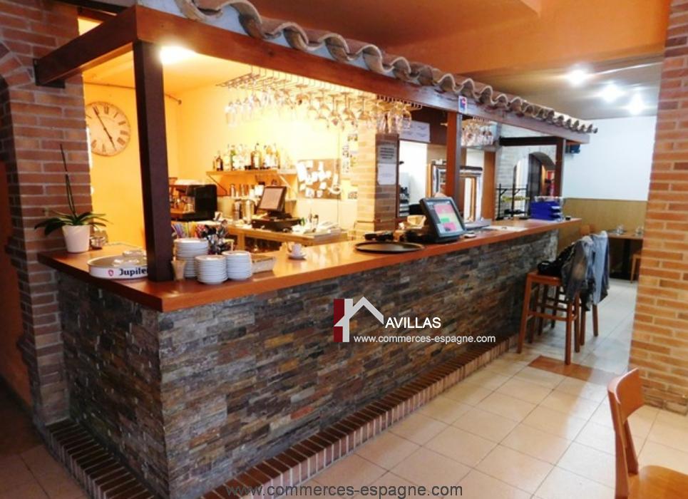 Rosas, Bar Restaurant à 50 m de la mer