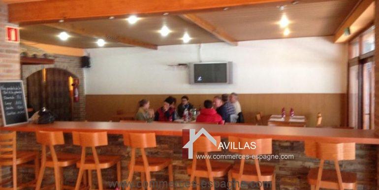 bar-restaurant-grill-Santa-margarita-comptoir-gauche-COM17007