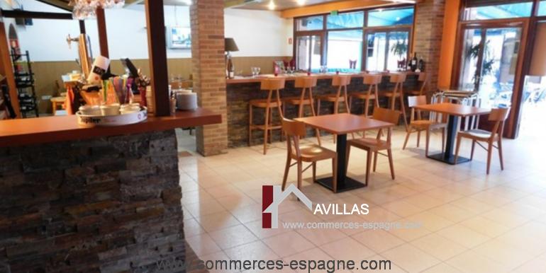 bar-restaurant-grill-Santa-margarita-comptoir-milieu-COM17007