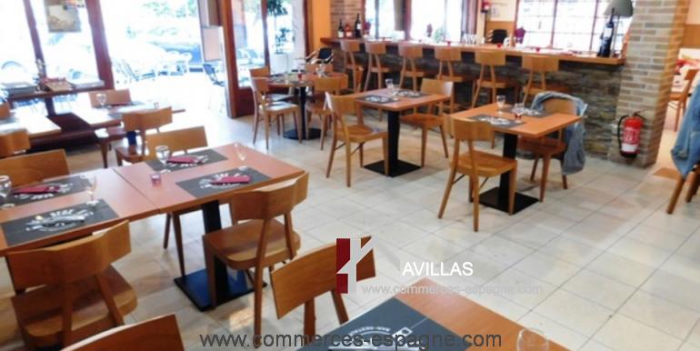 bar-restaurant-grill-Santa-margarita-salle-dressée-COM17007