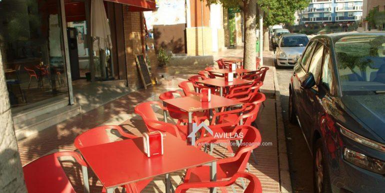 commerces-espagne-san-vicente-del-raspeig-com35020-boulangerie-patisserie-terrasse2