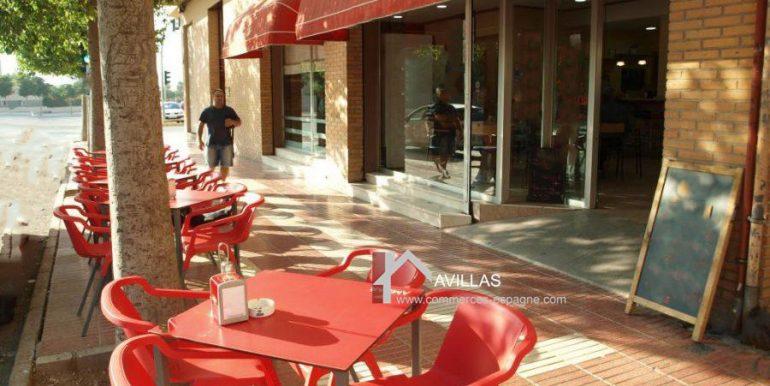 commerces-espagne-san-vicente-del-raspeig-com35020-boulangerie-patisserie-terrasse3-900x675