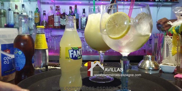 lounge-bar-cocktails-avillas-commerces-espagne-com01942