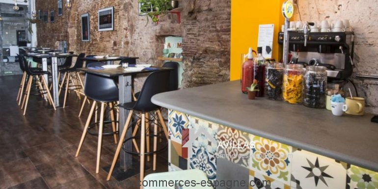 barcelone-restaurant-commerces-espagne-salle-comptoir-coin-COM17020