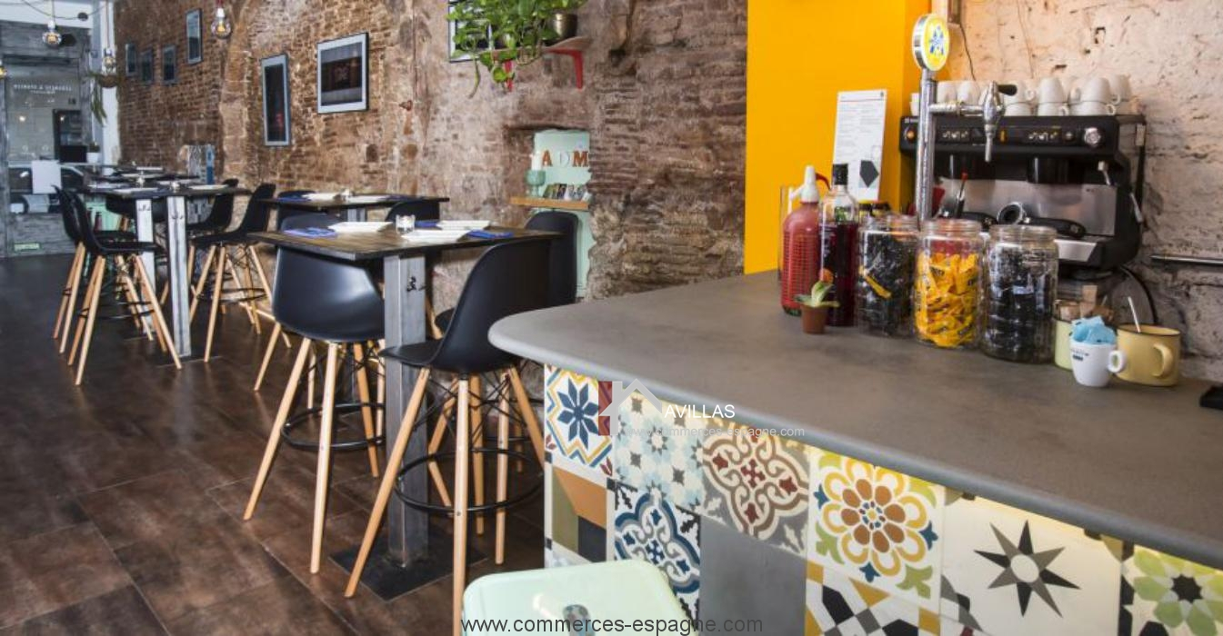 barcelone bar restaurant avec terrasse fonds de commerce espagne avillas a vendre acheter un. Black Bedroom Furniture Sets. Home Design Ideas