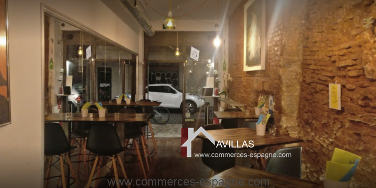 barcelone-restaurant-commerces-espagne-salle-porte-entrée-2-COM17020