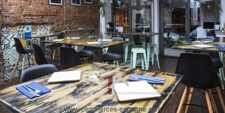 barcelone-restaurant-commerces-espagne-salle-vide-COM17020