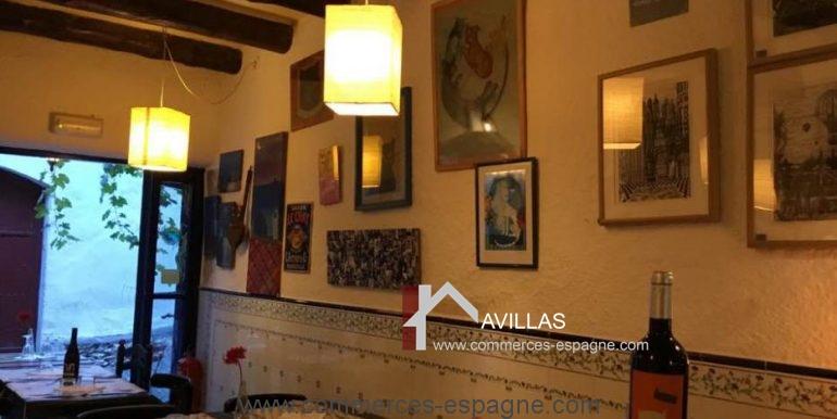 cadaques-restaurant-el-gato-azul-interieur-salle-COM17018