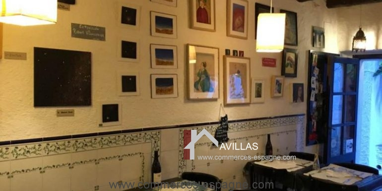 cadaques-restaurant-el-gato-azul-interieur-salle-gauche-COM17018