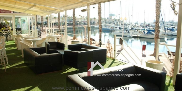 commerces-espagne-alicante-com35030-discotheque-terrasse-vue-port