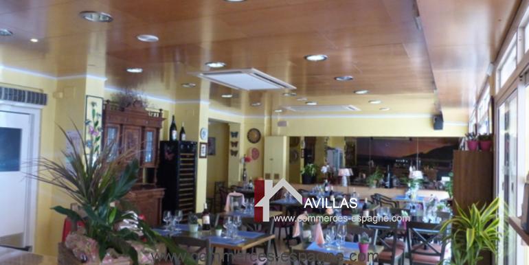 bar-restaurant-tapas-rosas-salle-restaurant-2-COM17025