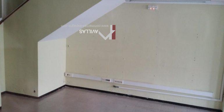 local commercial-rosas-côté-droit-COM17026