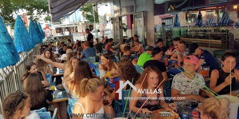 pizzeria-na- tarantella-terrasse-clients-côté-COM17021