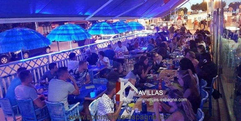pizzeria-na- tarantella-terrasse-clients-journée-COM17021